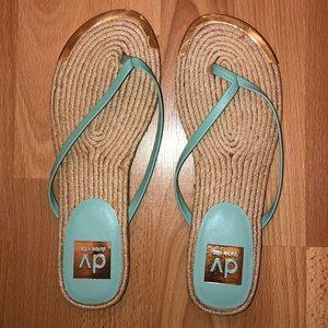 DV by Dolce Vita Flip Flop Sandals Size 7.5